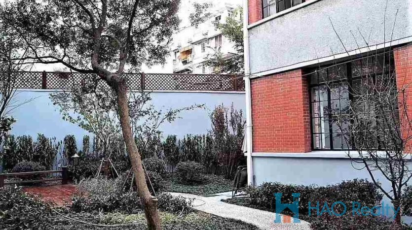 Spacious 5BR Villa w/Floor Heating in Downtown HAO Realty Shanghai HAOLL005764