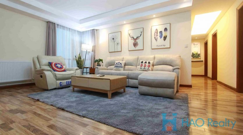 Bright 3BR Apartment w/Wall Heating in Xujiahui HAO Realty Shanghai HAOGG010019