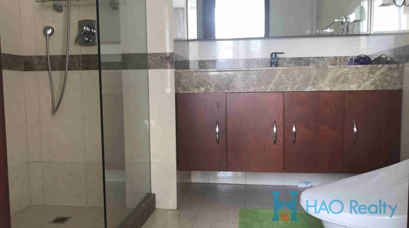 Spacious 1BR Apartment in River House HAO Realty Shanghai HAOAG019516