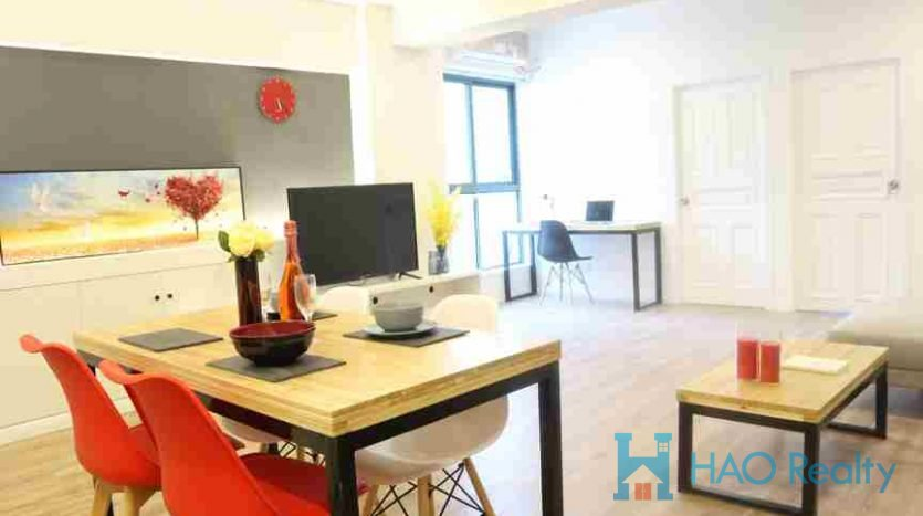 Spacious 2BR Apartment w/Wall Heating in Changde Road HAO Realty Shanghai HAOAG017414