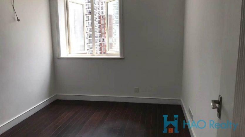 Spacious 3BR Apartment w/Wall Heating nr Zhongshan Park HAO Realty Shanghai HAOAG021633