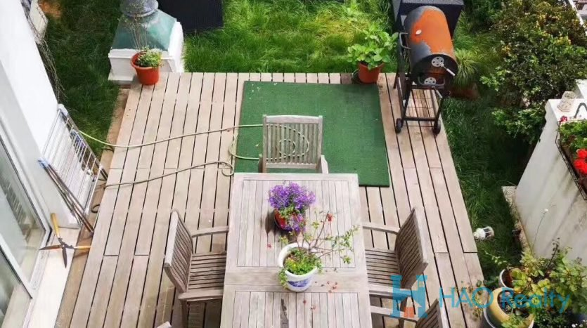 Spacious 4BR Apartment w/Floor Heating in Yongjia Road HAO Realty Shanghai HAOSW021756