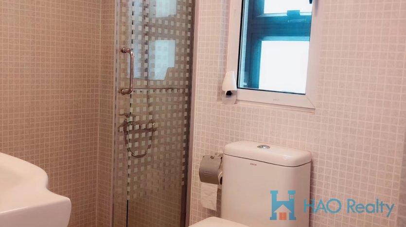 Bright 2BR Apartment w/Floor Heating in Ambassy Court HAO Realty Shanghai HAOEC026349