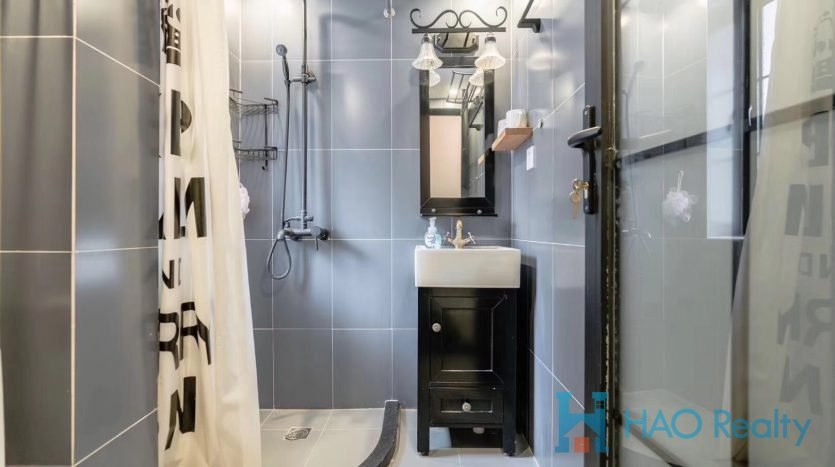 Cozy 1BR Apartment w/Wall Heating in Former French Concession HAO Realty Shanghai HAOAG024165
