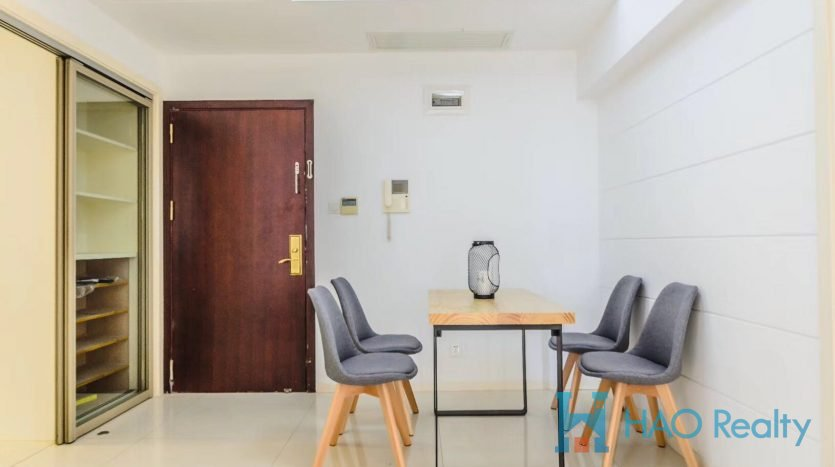 Spacious 2BR Apartment in Downtown HAO Realty Shanghai HAOAG025573