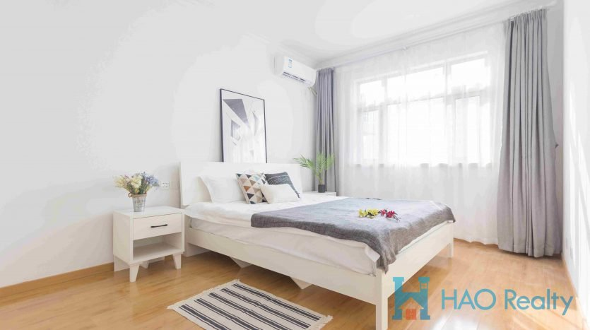 Spacious 3BR Apartment w/Wall Heating in Downtown HAO Realty Shanghai HAOAG026512