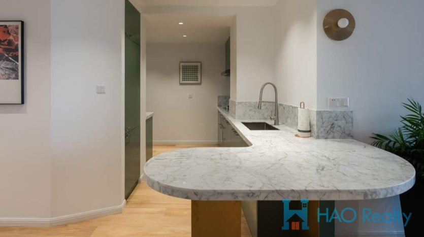 Sunny 3BR Apartment w/Wall Heating close to Jing'an Temple HAO Realty Shanghai HAOEC026556