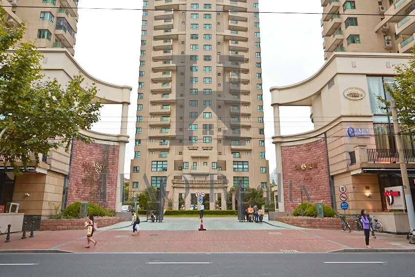 Ambassy Court is a prominent apartment complex in central location