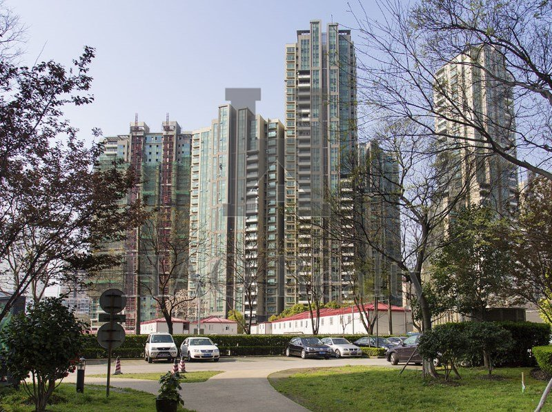 Eight Park Avenue is located on Xikang Road. Very convenient for expats who work near the West Nanjing Road commercial area - many top offices are located here