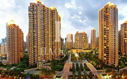 Yanlord Riverside Garden is an a large residential compound in Tianshan