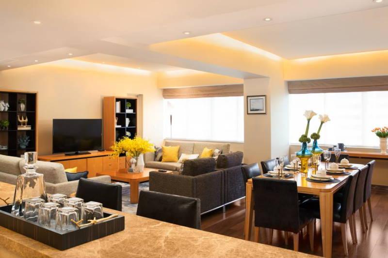 Shanghai Centre service apartment living room